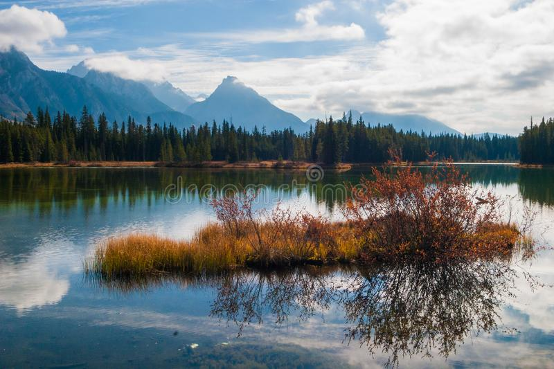 Spillway Lake in Peter Lougheed Provincial Park royalty free stock photography