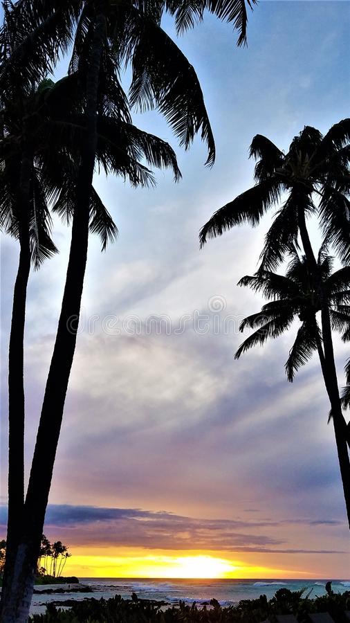 Spilset Sunset na wybrzeżu Waikoloa, Hawaje obraz stock