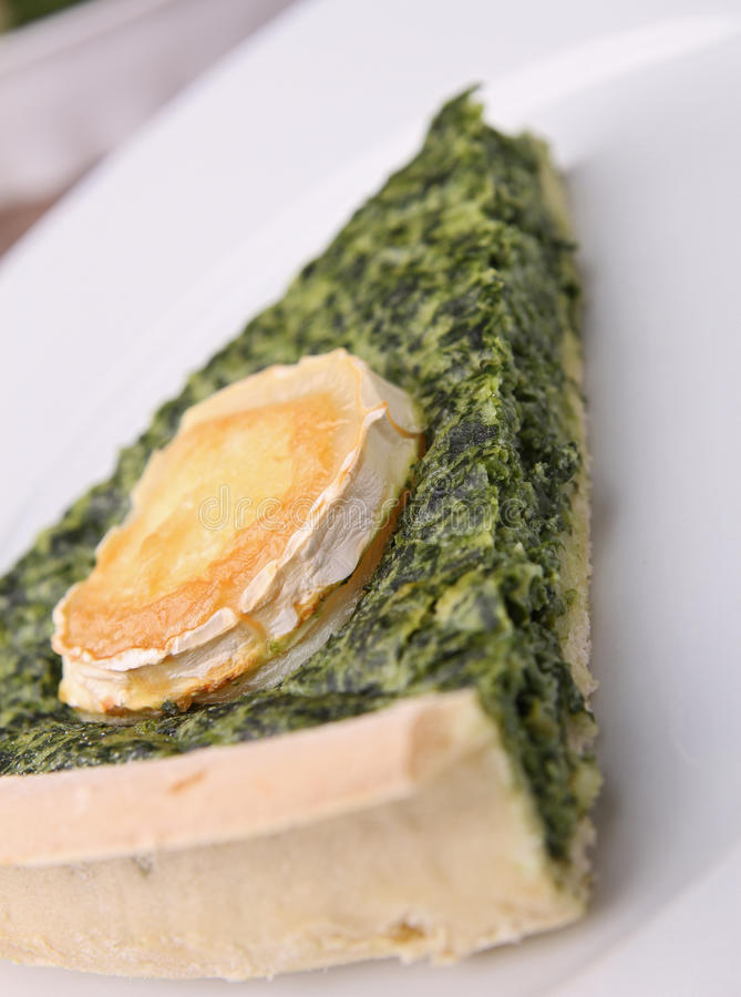 Download Spinach quiche stock image. Image of gourmet, dinner - 21956373