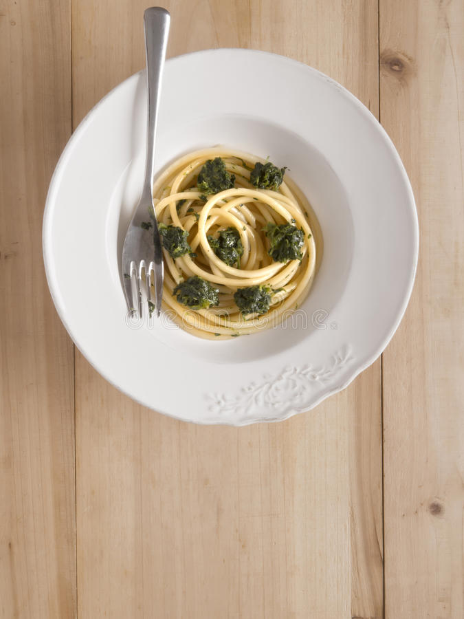 Download Spinach spaghetti pasta stock image. Image of carbs, starch - 31354203