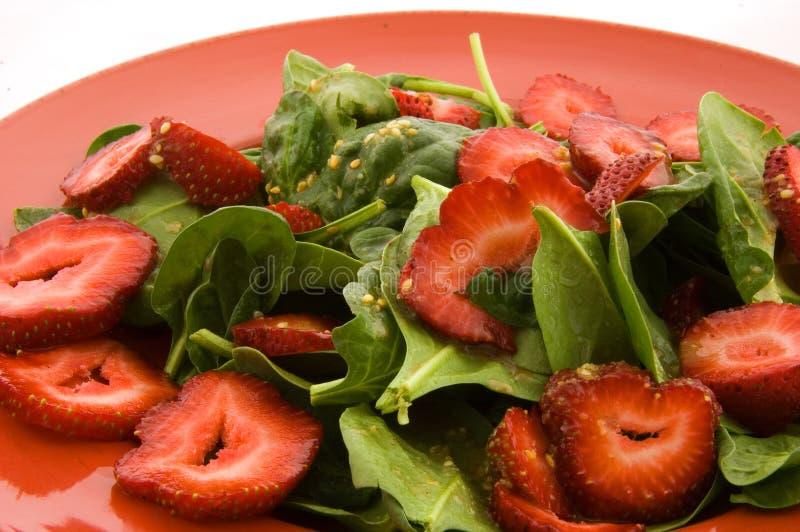 Spinat-und Erdbeere-Salat lizenzfreie stockfotografie
