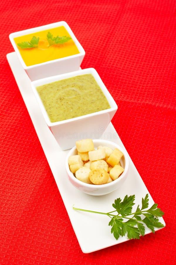 Spinat und Karottepüree stockfoto