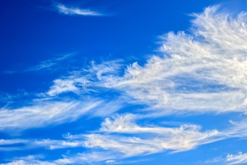 Spindrift Wolken lizenzfreies stockfoto