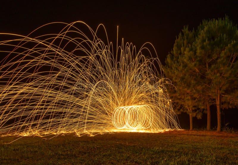 Spinnende brand stock foto
