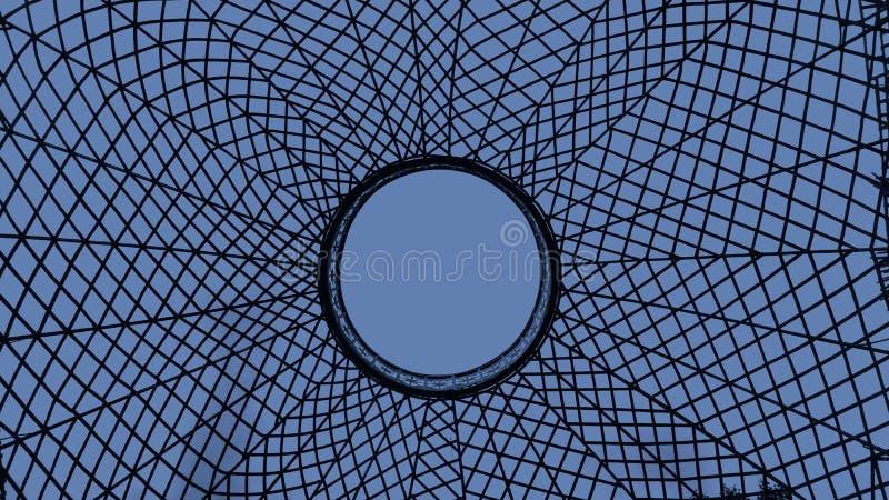 Spinneweb in blauw royalty-vrije stock afbeeldingen