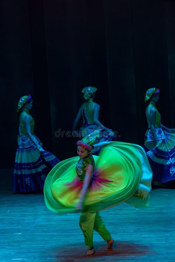 Spinowy dance3-dance dramata Axi Yi ludowy taniec zdjęcia royalty free