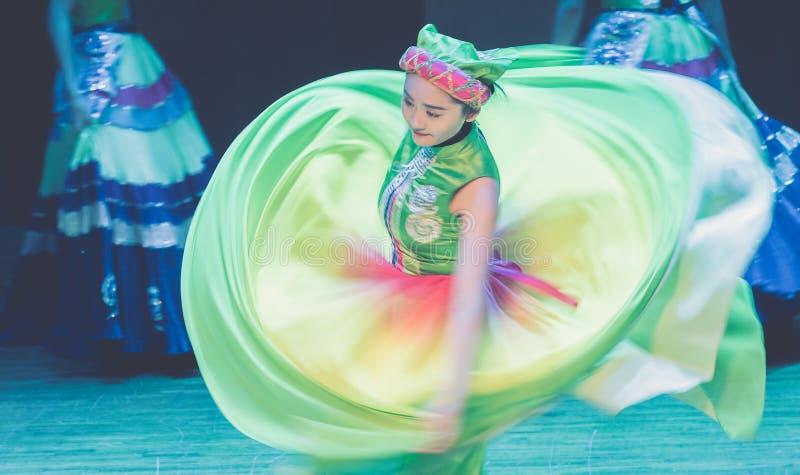 Spinowy tana dramata Axi Yi ludowy taniec fotografia royalty free