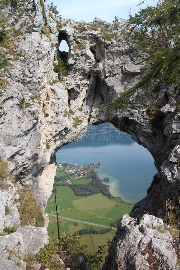 Spioncino Drachenloch nel klettersteig di Drachenwand fotografia stock libera da diritti
