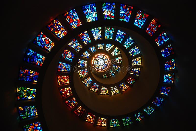 Spiraalvormig Gebrandschilderd glas royalty-vrije stock afbeelding