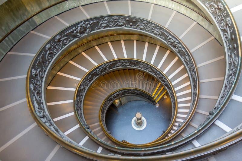 Spiraalvormige treden in het museum van Vatikaan royalty-vrije stock foto's