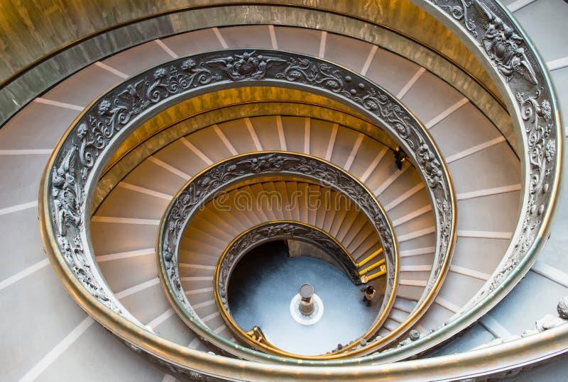 Spiraalvormige treden van de Musea van Vatikaan in Vatikaan, Rome stock afbeelding
