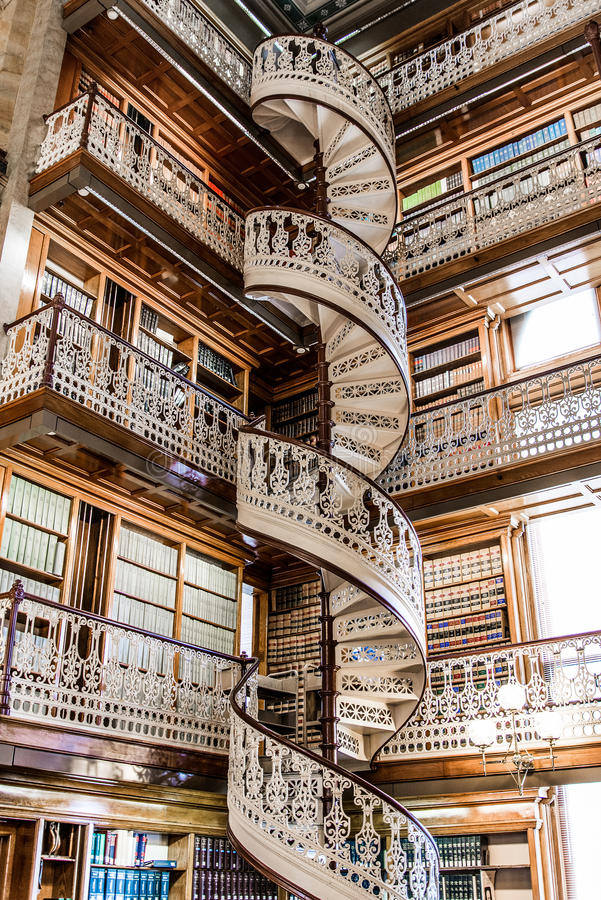 Free Spiral Staircase At The Law Library In The Iowa State Capitol Stock Photos - 42865543