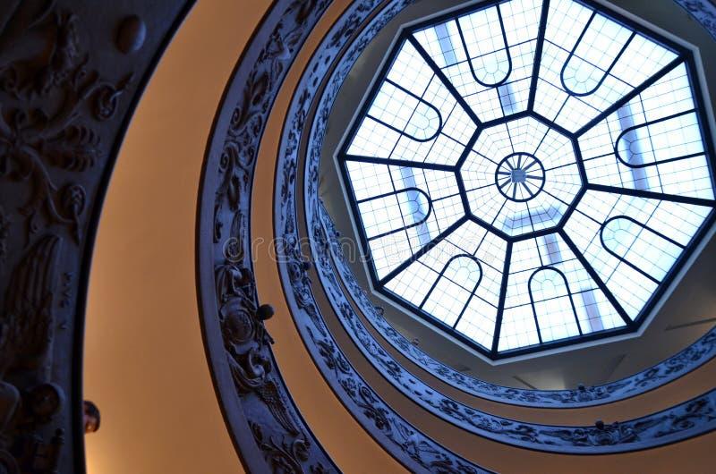Spiral trappa av Vaticanenmuseerna, Vaticanen arkivbild