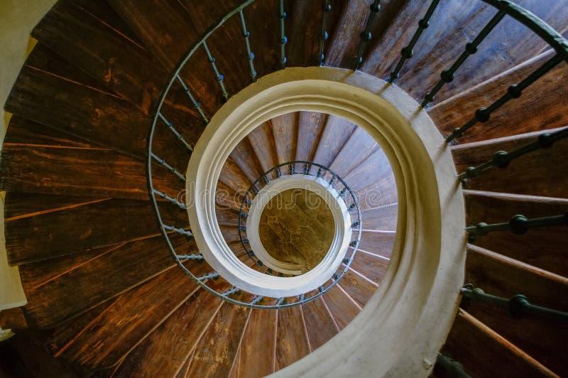 Spiral trappa i domkyrka av antagandet av vårt dam och helgon J arkivbild