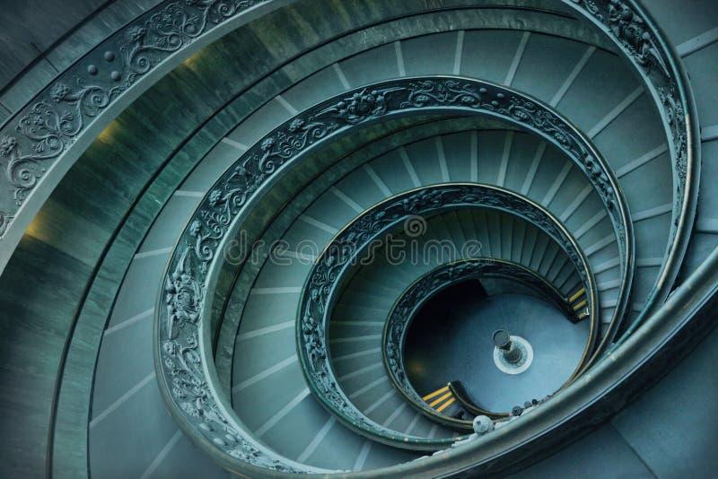 Spiral trappa i Vaticanen royaltyfri foto