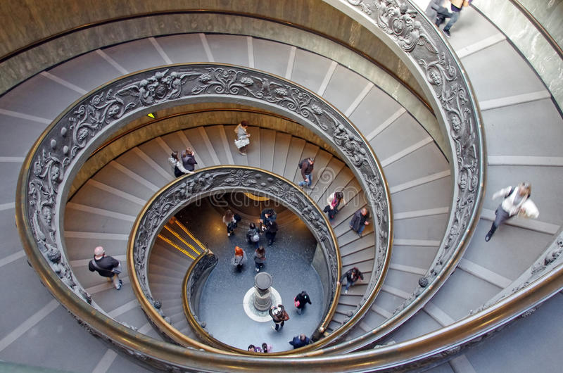 spiral trappa vatican royaltyfri bild