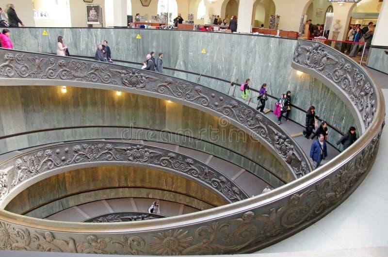 spiral trappa vatican arkivbilder