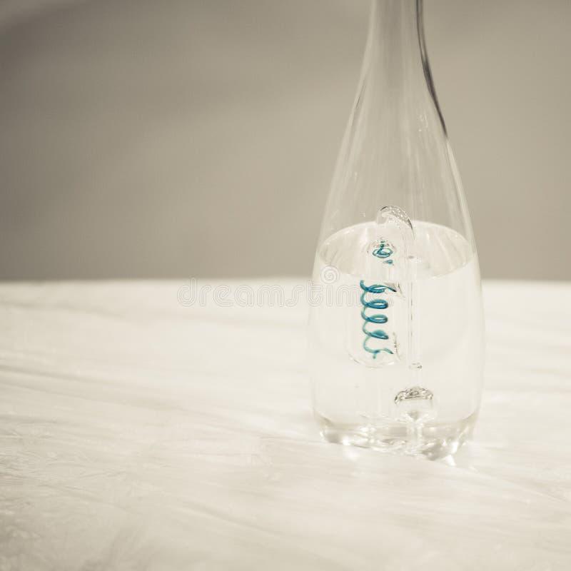 Spirale dans la bouteille images stock