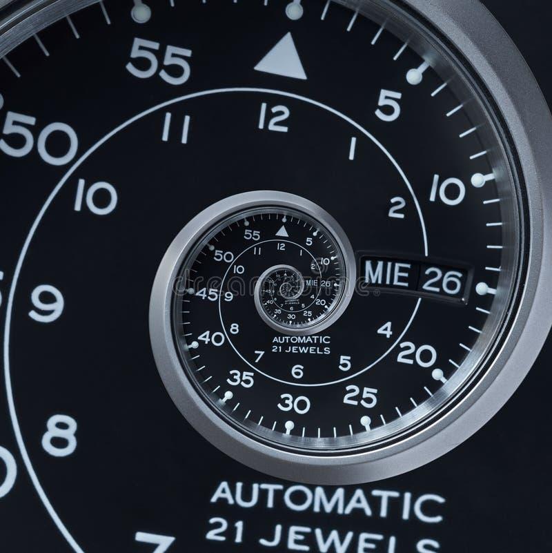 Spirale surréaliste d'horloge montre de fractale argentée noire moderne classique d'abrégé sur Fractale abstraite peu commune de  photo libre de droits