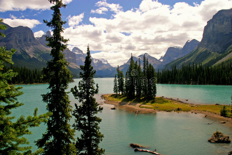 Spirit Island. / Maligne Lake royalty free stock photography