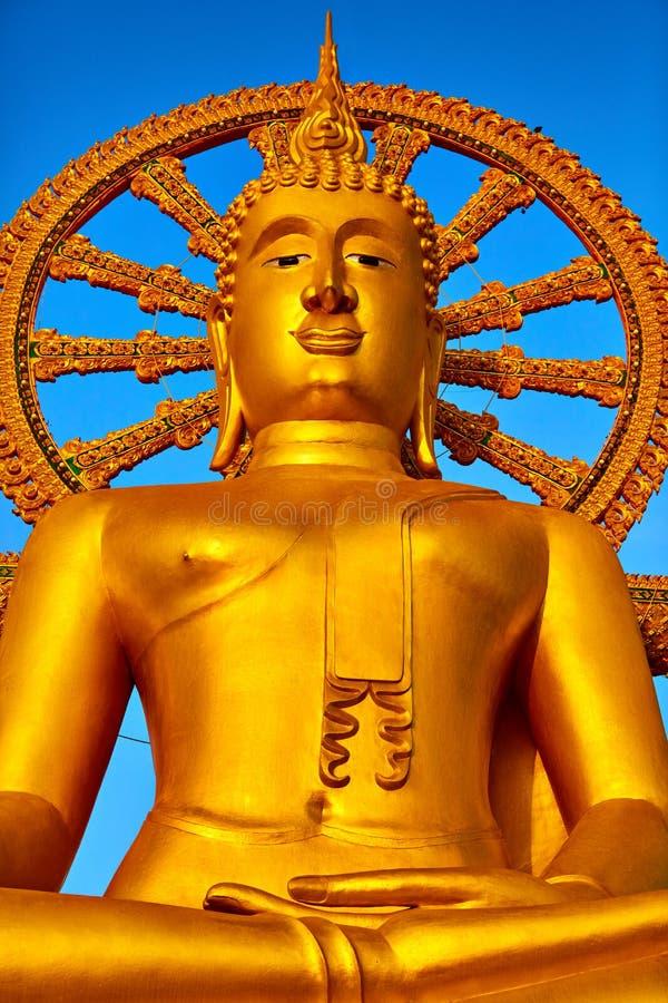 spirituality Goldener Buddha, Wat Phra Yai Temple, Thailand Reli lizenzfreies stockbild