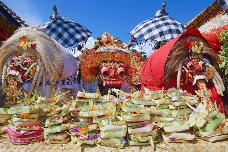Spiritueux traditionnels de Balinese - Barong et deux sorcières Leyaks images libres de droits