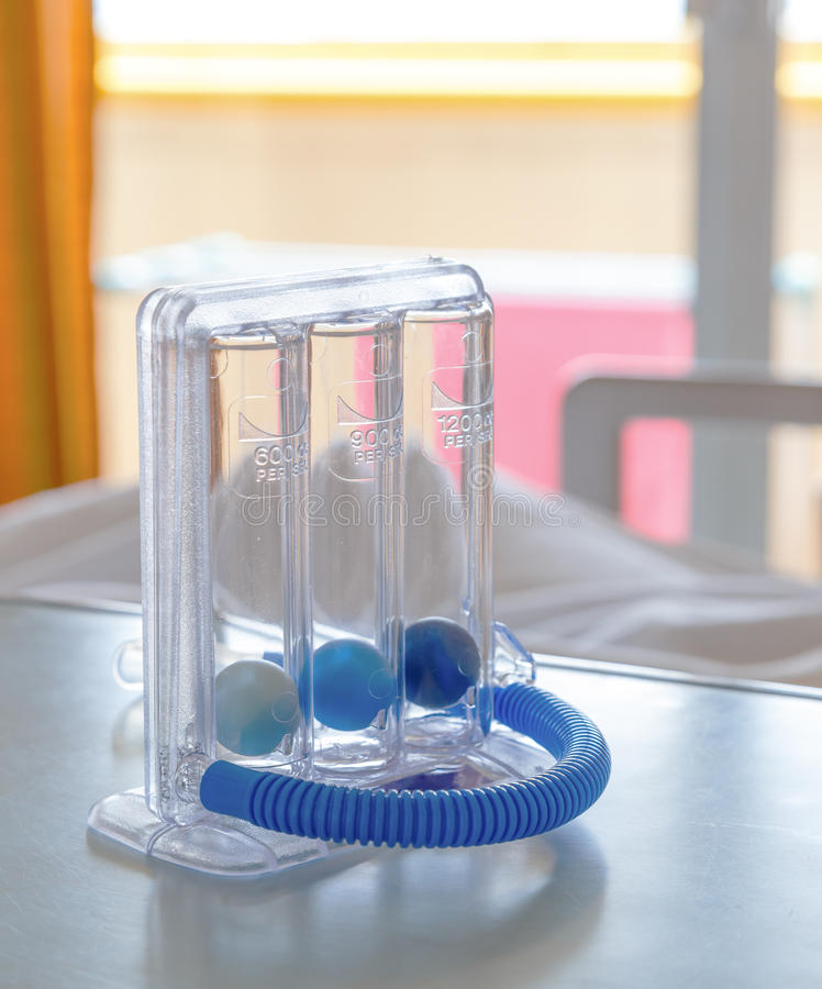 Spirometer κινήτρου τριών σφαιρών για βαθιά να αναπνεύσει στοκ εικόνες