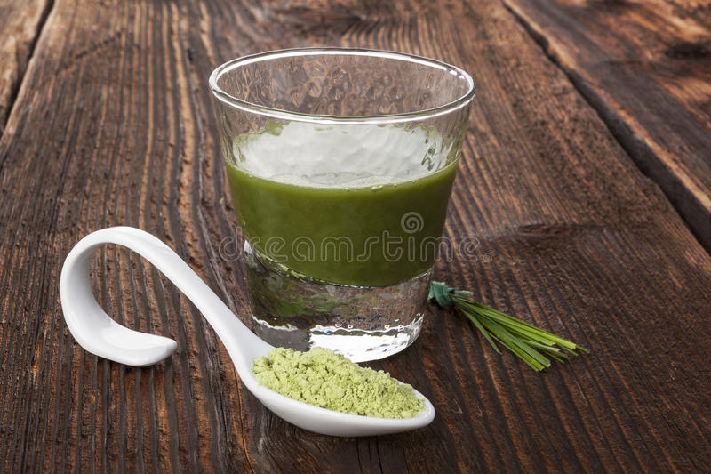 Spirulina, chlorella, jęczmień i wheatgrass, fotografia stock
