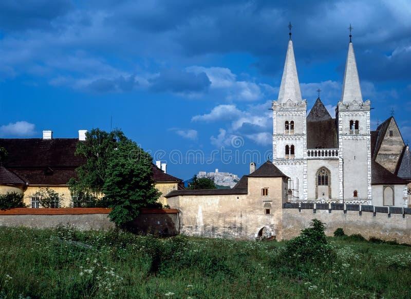 Spis-Kapitel mit Kirche in Slowakei stockfotos