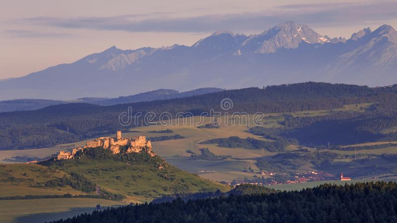 Spis slott - Slovakien arkivfoton