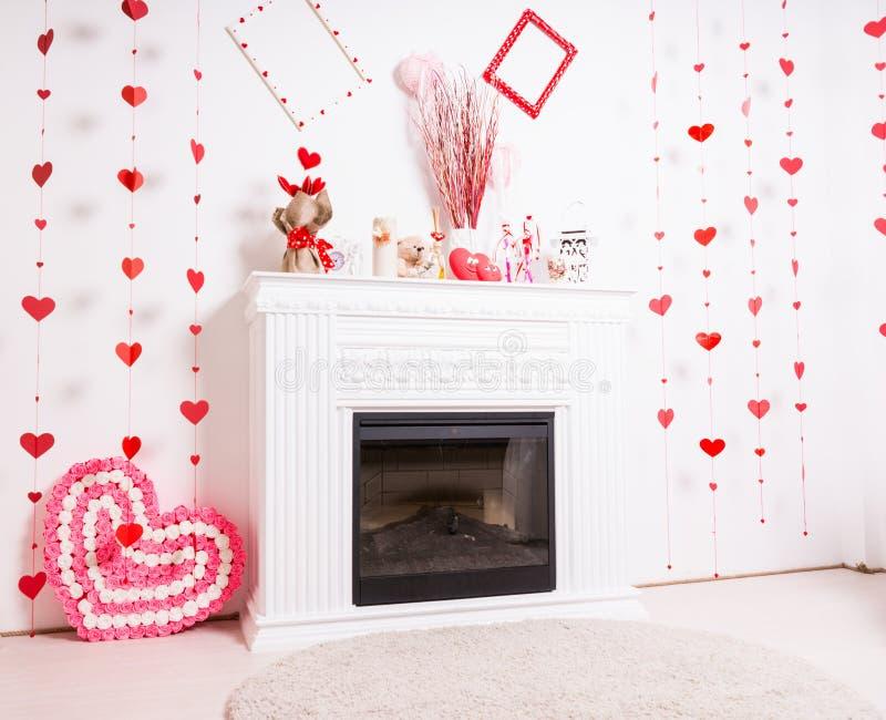 Spisansvar som dekoreras för valentindag royaltyfria foton