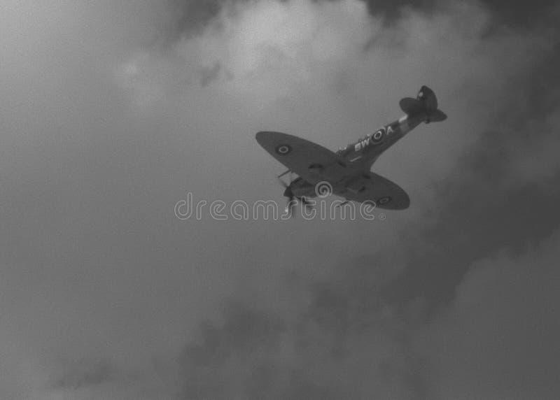 Spitfire летания стоковое фото rf