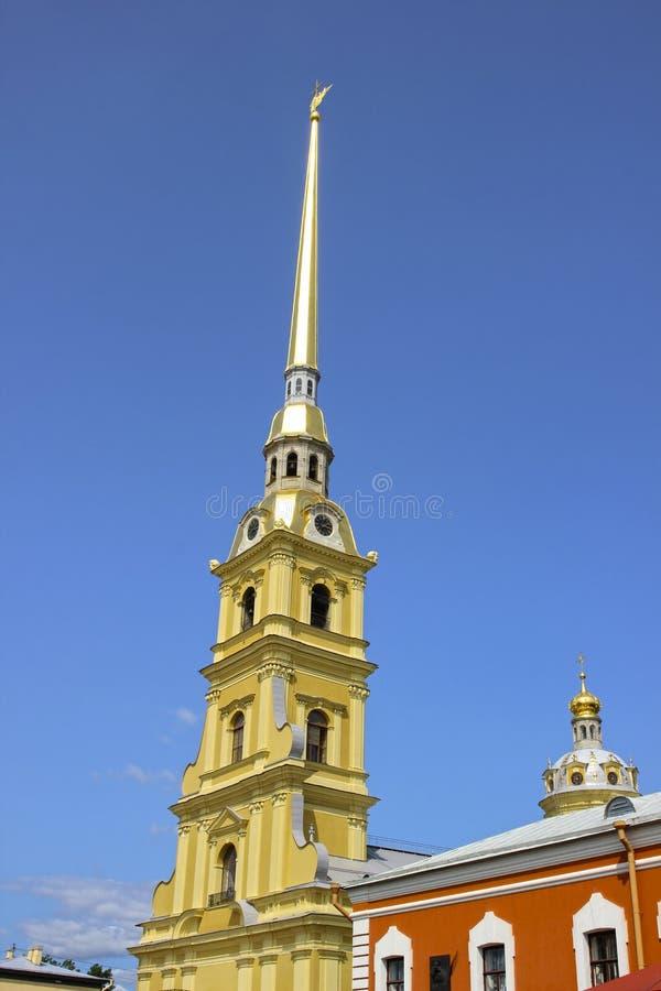 Spits van Peter en Paul Fortress in St. Petersburg stock foto's