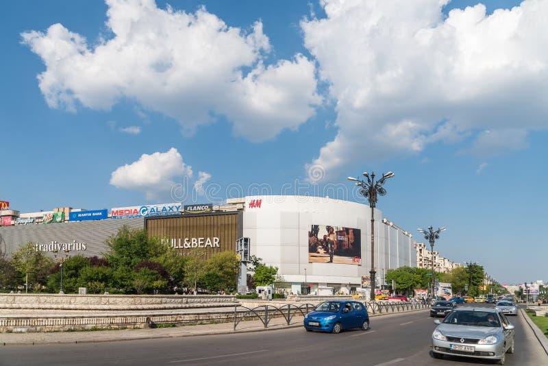 Download Spitsuur In Union Square (Piata Unirii) Van Boekarest Redactionele Afbeelding - Afbeelding bestaande uit centraal, huis: 54081360