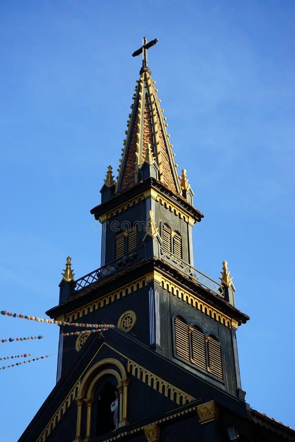 Spitze der hölzernen Kirche lizenzfreies stockfoto