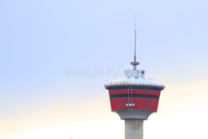 Spitze des Calgary-Turms stockfotos