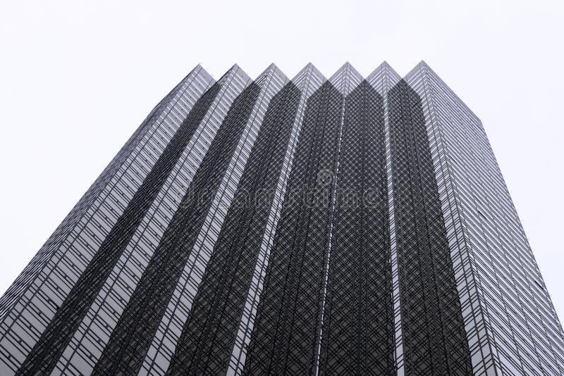 Spitze des Trumpf-Turms stockbild