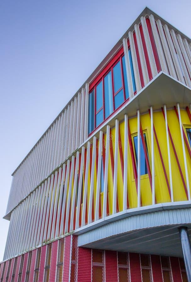 Spitze eines modernen Gebäudes der Groningen-Universität lizenzfreie stockbilder