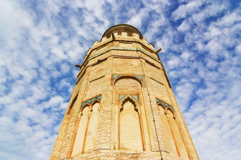 Spitze von Wachturm Torre Del Oro (Goldturm) in Sevilla lizenzfreies stockfoto