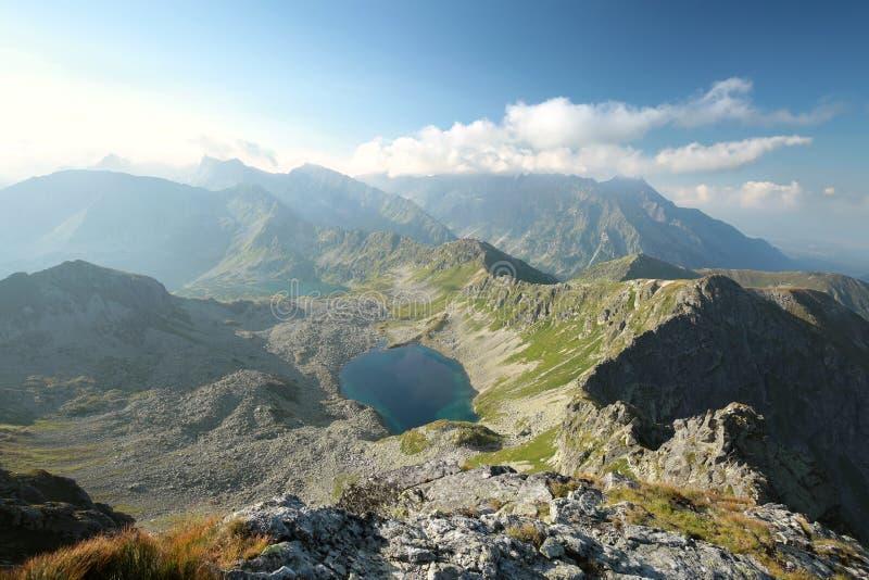 Spitzen in den Tatra-Bergen bei Sonnenaufgang lizenzfreie stockfotografie
