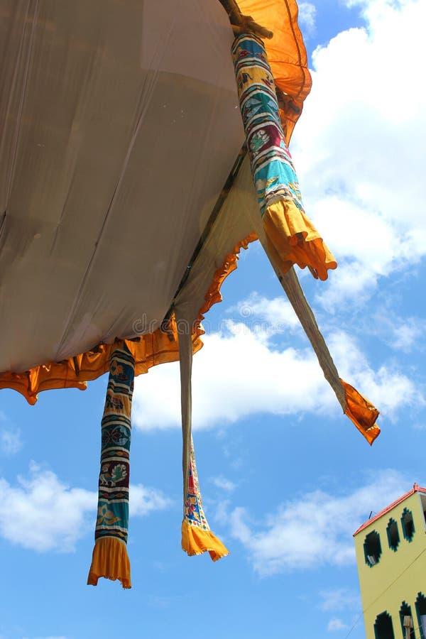 Spitzenverzierungen des parivar Tempelautos am großen Tempelautofestival des thiruvarur sri thyagarajar Tempels stockbilder