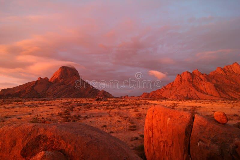 Spitzkoppe célèbre au coucher du soleil photographie stock libre de droits
