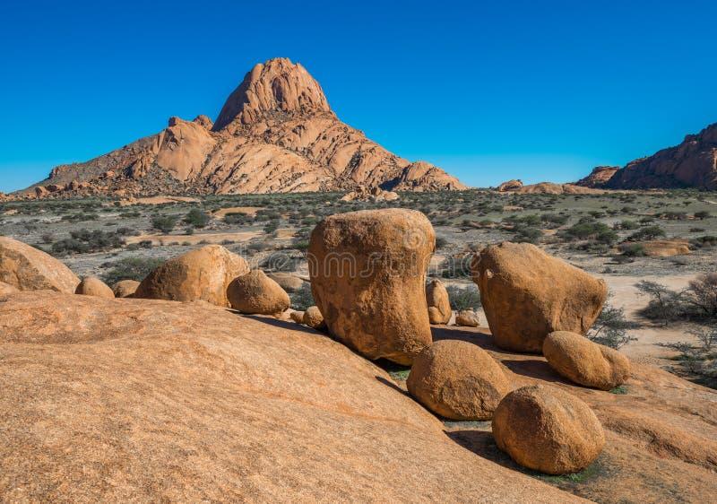 Spitzkoppe, formação de rocha original em Damaraland, Namíbia foto de stock royalty free