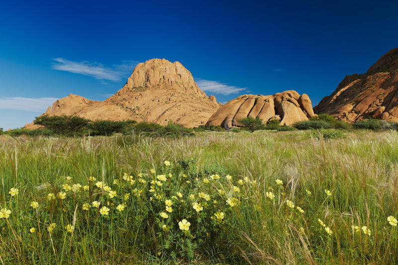 Spitzkoppe, paesaggio della montagna della roccia del granito fotografie stock libere da diritti