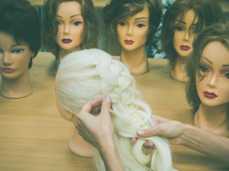 Splatać warkocz na mannequin obraz royalty free