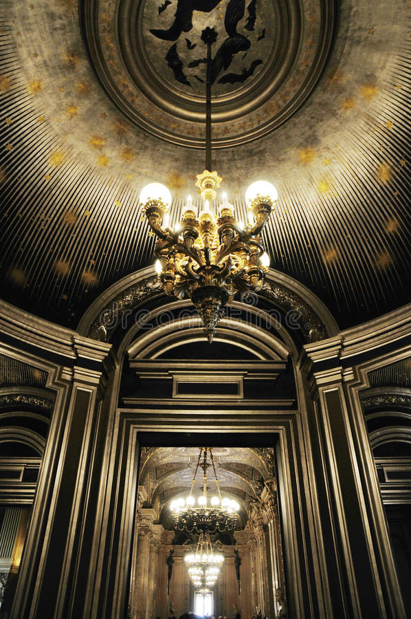 Download Splendid Ceiling With Beautiful Chandelier Royalty Free Stock Image - Image: 11089676