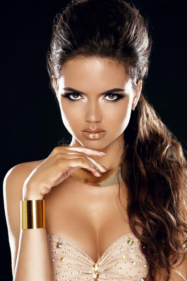 Splendor dama. Mody piękna dziewczyna. Wspaniały kobieta portret. Styl fotografia stock