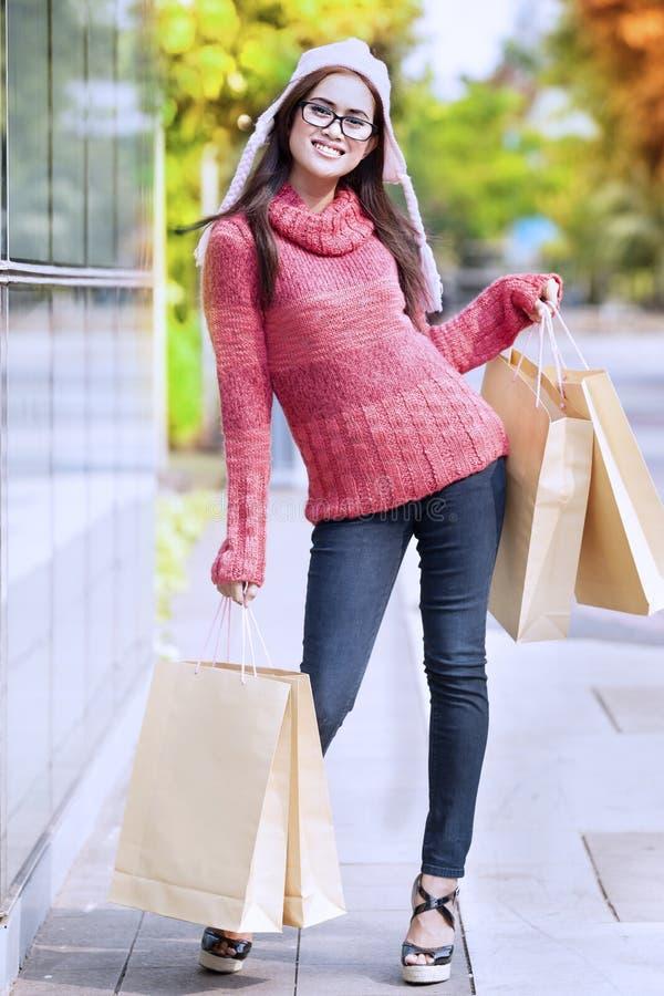Download Splendor dziewczyna zdjęcie stock. Obraz złożonej z 1 - 26953060