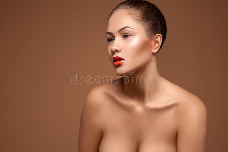 Splendor kobieta w studiu zdjęcie royalty free
