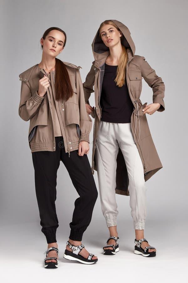 Splendor mody stylu katalogu przypadkowi ubrania dla biznesu fotografia stock